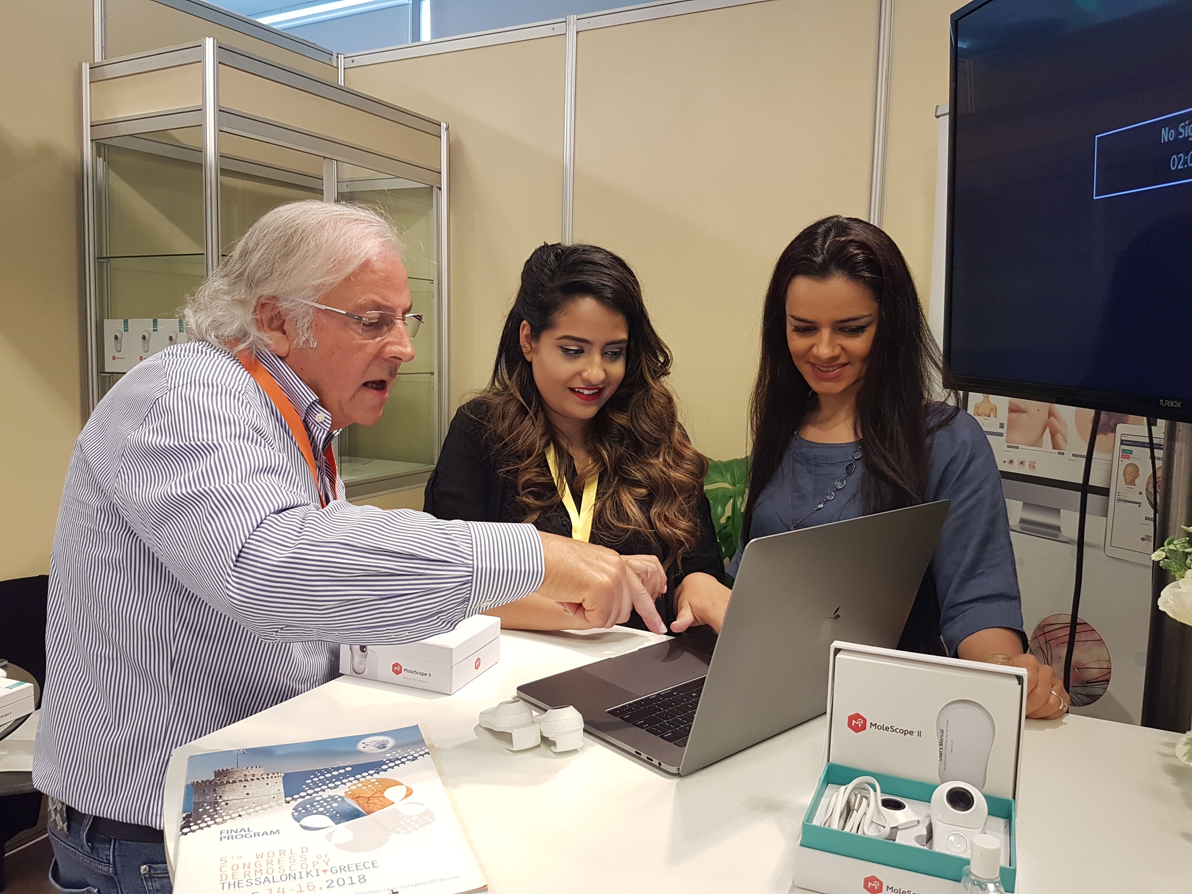 /media/news_images/2018/06/18/WCD_2018_-_Demoing_Dermengine-Intelligent_dermatology_softwar.jpg